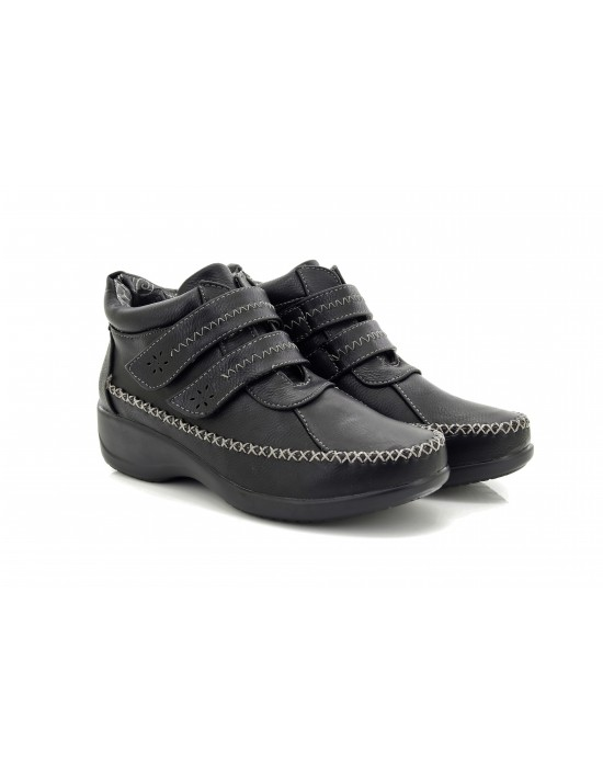 Women Comfort Plus Black Ankle Boots