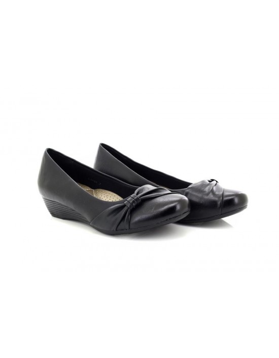 Boulevard 'Laura' Cross over Vamp Style Wedge Court Shoes Black